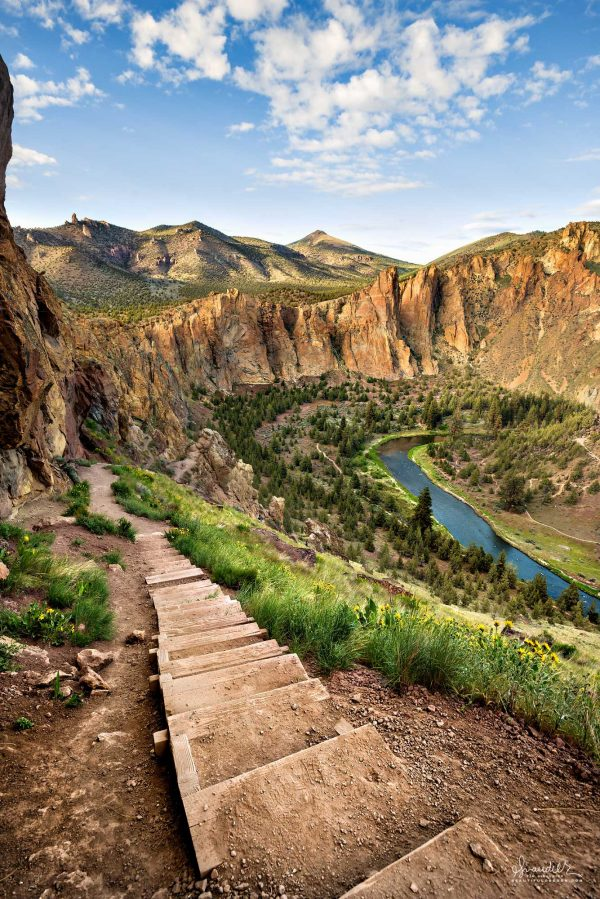 Smith Rock and Misery Ridge. Oregon State Parks, Central Oregon recreation wonderland.