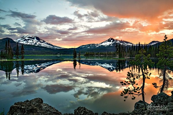 Daybreak over Sparks Lake the South Sister and Broken Top. Cascade Lakes Highway, Deschutes National Forest, Central Oregon Cascades.