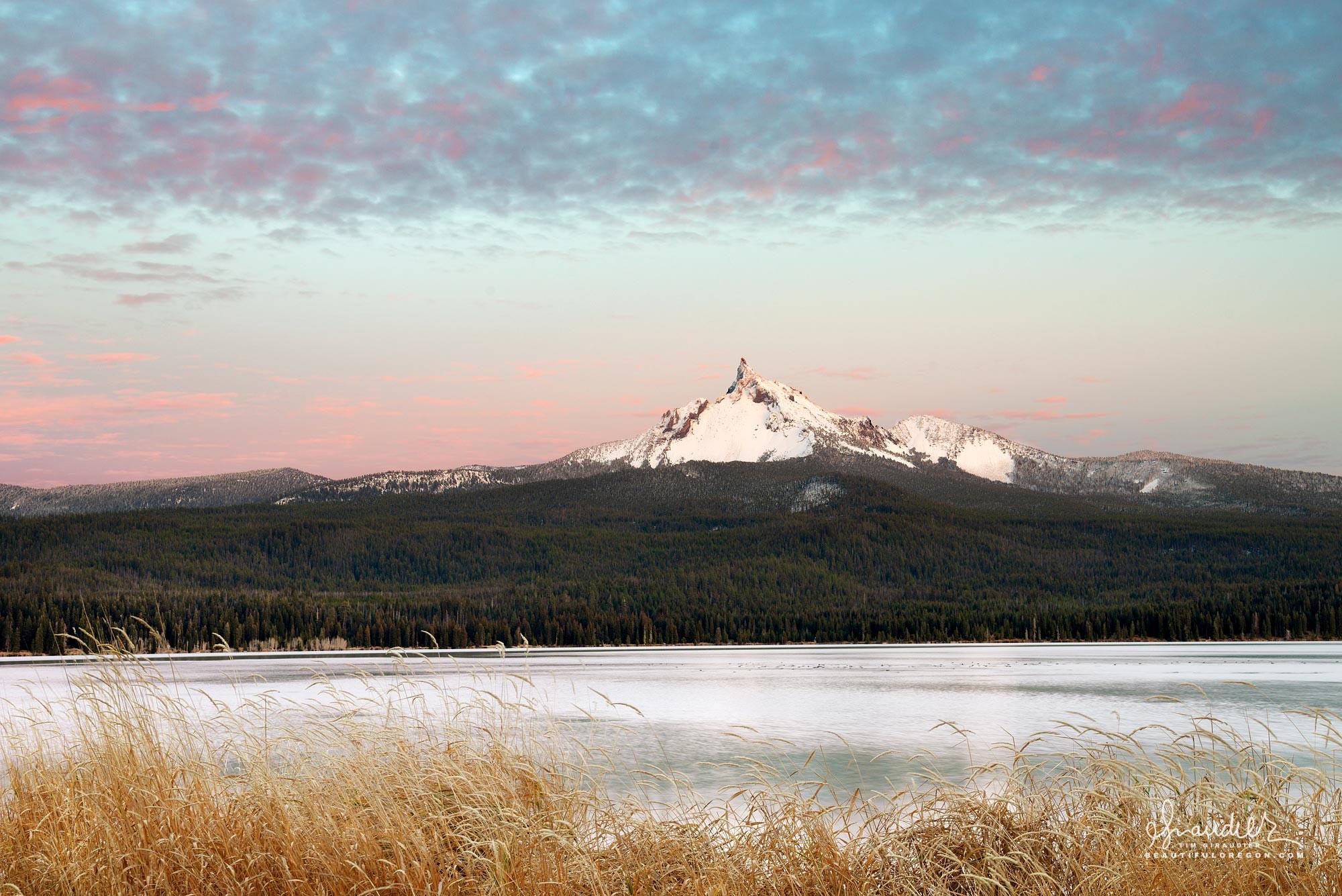 Mount Thielsen and Diamond Lake at dusk. Umpqua National Forest, Douglas County, Oregon Cascades landscape photography.