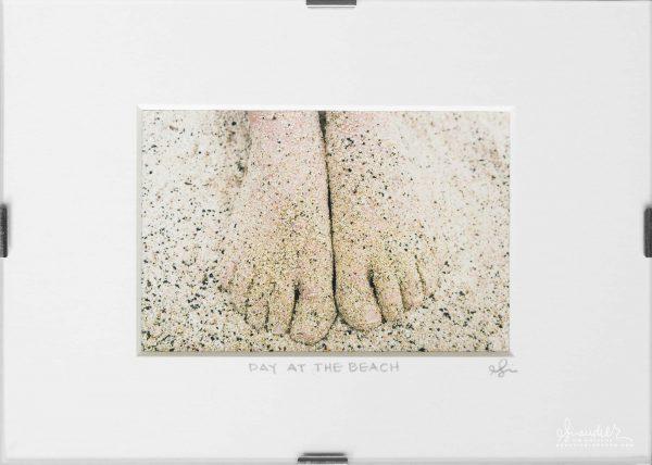 Sandy Feet, Funday Sunday At The Beach!