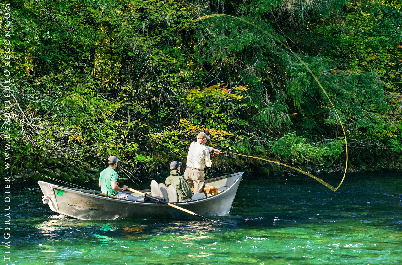 Drift boat fly fishing the mckenzie river oregon cascades for Fishing eugene oregon