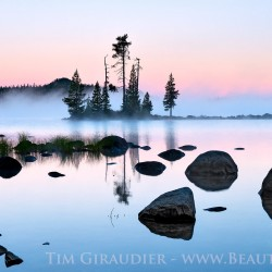 Waldo Lake, Lane County, Willamette National Forest, Oregon Cascades, Waldo Lake Wilderness, dawn, blue, pink